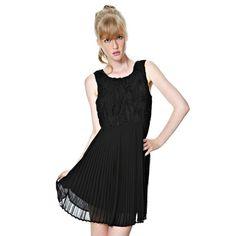 Váy Vila xếp li ở phía dưới. Ở phía trên có họa tiết kiểu hoa văn. Dài 87 cm cỡ nhỏ. Chất liệu: 100% polyester.  Giá 851.000 VND
