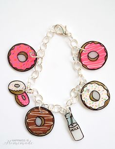 Make your own super cute donut charm bracelet with shrink plastic! Makes a great quick & easy DIY gift idea - SO many fun possibilities!