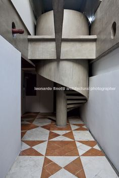 paulo mendes da rocha - malta cardoso house   leonardo finotti superbe escalier en beton http://www.home-template.com/templates-wordpress/