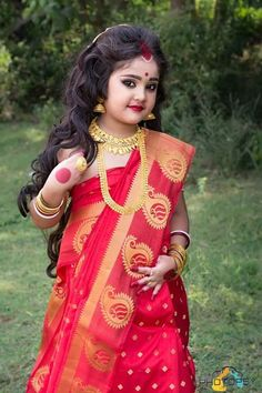 Waru 💗 Bengali look Cute Kids Photography, Kids Fashion Photography, Baby Girl Photography, Kids Saree, Kids Lehenga, Cute Baby Girl Pictures, Cute Girl Pic, Baby Boy Dress, Dresses Kids Girl