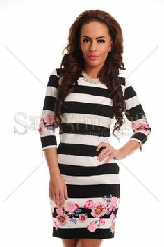 LaDonna Seductive Style Black Dress Office Fashion, Trendy Colors, Female Bodies, Fall Outfits, Floral Prints, Long Sleeve, Sexy, Casual, Sleeves