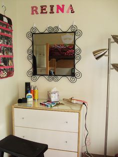 .Reina's Reign: Tips on decorating your dorm this fall!