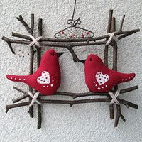 29 Ideas red bird decorations for 2019 Valentines Day Decorations, Valentine Crafts, Easter Crafts, Holiday Crafts, Bird Decorations, Felt Crafts, Fabric Crafts, Sewing Crafts, Diy And Crafts