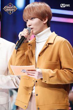 Morning Rain, Sunday Morning, Jeonghan Seventeen, Favorite Person, Boys Who, Korean Actors, Raincoat, Husband, Kpop