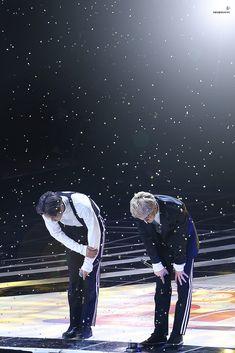 Kai, Sehun - 161101 SBS Power FM 20th Anniversary Concert Credit: 바람과 함께 사라지다. (SBS 파워FM 20주년 콘서트)