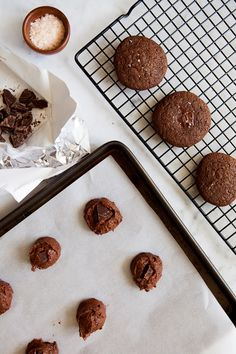 Double Chocolate Sea Salt Cookies / #paleo