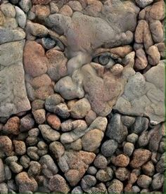 If you're looking for an outdoor project that's a bit off the beaten path, a pebble mosaic will give your yard, garden, or walkway a. Pebble Mosaic, Pebble Art, Mosaic Art, Stone Mosaic, Land Art, Rock Sculpture, Sculptures, Art Rupestre, Art Pierre