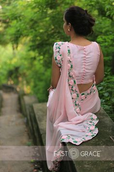 PRODUCT DESCRIPTION: Featuring a balmy baby pink pure chiffon saree with beautifully embroidered satin pink rose vines along the edges. Blouse Back Neck Designs, Sari Blouse Designs, Saree Blouse Patterns, Fancy Blouse Designs, Chiffon Saree, Saree Dress, Dress Up, Silk Chiffon, Sleevless Saree Blouse