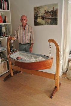 DIY Moon Cot Baby Cradle Crib Bed Instructions with pictures Free Plans and video Boat Furniture, Home Decor Furniture, Furniture Design, Boat Bed, Build Your Own Boat, Wooden Boat Plans, Wood Boats, Baby Cribs, Kids Room