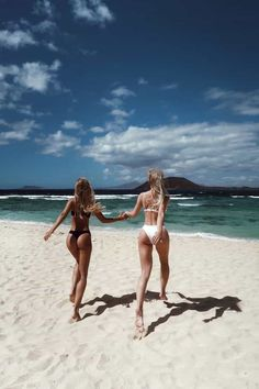 Bikinis friend beach pictures, beach poses with friends, beach pics, Beach Girls, Beach Bum, Summer Beach, Summer Vibes, Bikini Beach, Beach Hair, Summer Travel, Holiday Travel, Beach Poses With Friends