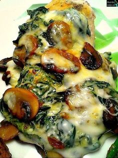 and Mushroom Smothered Chicken Creamed Spinach Smothered Chicken ~ tons of other boneless chicken recipes on this site.Creamed Spinach Smothered Chicken ~ tons of other boneless chicken recipes on this site. Low Carb Chicken Recipes, Low Carb Recipes, Cooking Recipes, Healthy Recipes, Diet Recipes, Recipes Dinner, Recipe Chicken, Delicious Recipes, Easy Recipes