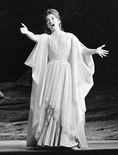 Maria Callas as Bellini's Norma in Paris