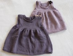 Stickade klänningar - baby