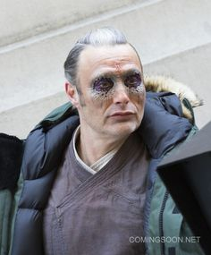 First set photos from DOCTOR STRANGE feature Benedict Cumberbatch, Chiwetel Ejiofor and Mads Mikkelsen on the streets of New York. Mads Mikkelsen Doctor Strange, Doctor Strange Trailer, First Doctor, Theatrical Makeup, Hugh Dancy, Movie Costumes, Weird World, Benedict Cumberbatch, Marvel Cinematic Universe