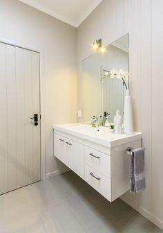 #floatingvanity #bathroomsink #minimalisticmirror #mirror #interiordesign