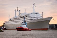 SS Rotterdam, Holland Amerika Line. Hal Cruises, Holland America Line, Shore Excursions, Cruise Ships, Battleship, Titanic, Rotterdam, Sailing Ships, Boat