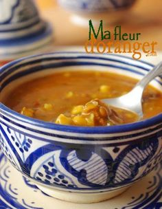Harira - Soupe traditionnelle marocaine Brunch Recipes, Easy Dinner Recipes, Soup Recipes, Cooking Recipes, Healthy Recipes, Middle East Food, Food 101, Ramadan Recipes, Exotic Food