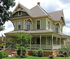 Bayless-Selby home 1898 seven room Victorian, Denton, Texas, Lots of beautiful old houses near the universities. Beautiful Buildings, Beautiful Homes, Victorian Style Homes, Victorian Architecture, Modern Architecture, Historic Homes, House Painting, My Dream Home, Old Houses