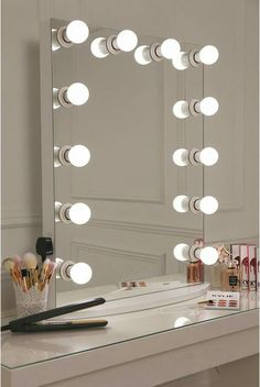 This is what make up dreams are made of girls! This is our XL pro hollywsood mirror which features a sleek white design with 12 LED frosted light bulbs- essential for ensuring a flawless skin finish all Sala Glam, Vanity Room, Vanity Mirrors, Mirror Bathroom, Hollywood Vanity Mirror, Mirror Room, Vanity Set, Bathroom Storage, Mirrored Vanity