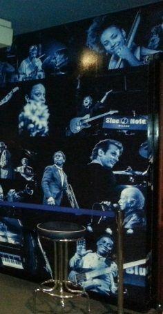 #BlueNote milano, per i 10anni del Jazz club nuovo allestimento by @Spazio81 e foto di Roberto Cifarelli