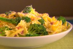 Farfalle with Broccoli Recipe by Giada De Laurentiis – One of my favorite pasta dishes of all time! Farfalle with Broccoli Recipe by Giada De Laurentiis – One of my favorite pasta dishes of all time! Giada Recipes, Cooking Recipes, Healthy Recipes, Cookbook Recipes, Healthy Dinners, Giada De Laurentiis, Broccoli Recipes, Pasta Recipes, Broccoli Pasta