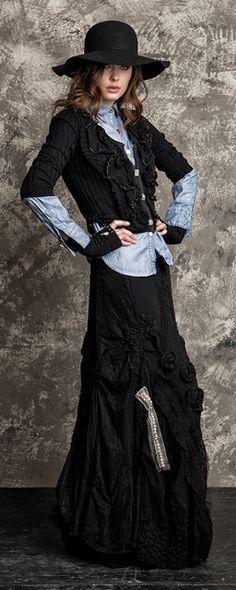 Black skirt with rosette. Elisa Cavaletti | Sollery