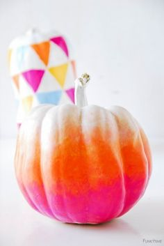 @Hanna Ensor - thought of you when I saw this..Funky Ombre Pumpkins