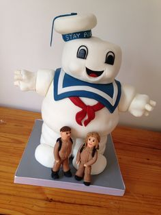 Stay Puft wedding cake. Somebody is a fan of Ghostbusters :)