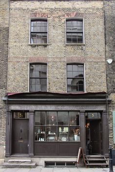 5 Fournier Street, Spitalfields - now an antique/ craft shop + tea room + gallery.