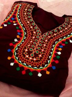 Robe de maison Balochi Dress, Long Gown Dress, Lehnga Dress, Embroidery Suits Design, Embroidery Dress, Embroidery Designs, Pakistani Bridal Lehenga, Saree Painting, Mirror Work Blouse