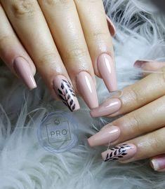 69 Easy Winter and Christmas Nail Ideas - Ankara Lovers Trendy Nail Art, Natural Beauty Tips, Beautiful Nail Art, Spring Nails, Christmas Nails, Ankara, Nail Ideas, Beauty Women, Nail Art Designs