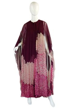 Already sold but so worth the share! A fabulous Silk Chiffon Hanae Mori Caftan Vintage Outfits, Vintage Fashion, Vintage Clothing, Vintage Dresses, Designer Evening Dresses, Vintage Mode, Online Fashion Boutique, Couture, Silk Chiffon