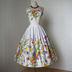 ~vintage 1950s dress ...fabulous COVER GIRL of MIAMI white cotton floral garden party full skirt pin-up dress~