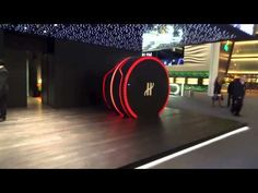 The Hublot Watch Capsule: Come face to face with the exceptional by entering a showcase for the first time. The product, unprotected and unshielded, is tanta. Hublot Watches, 3d Video, Revolutionaries, First Time, Concept, The Originals, Face, The Face, Faces