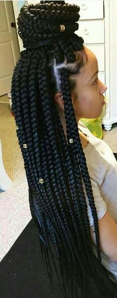 For this post Box Braids mit Perlen Frisur Ideen you browse. Box Braids mit Perlen Frisur Ideen If you like our article by writing comments and sharing it on social media, we would be happy if you support us. Box braids with beaded hairdressing ideas Big Box Braids, Blonde Box Braids, Box Braids Styling, Braids For Black Hair, Dookie Braids, Box Braids Medium Length, Braids Cornrows, Box Braids Hairstyles, African Hairstyles