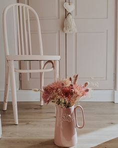 Mis Nuevos Pisos - Antes y Después con pisos vinílicos SPC / Vero Palazzo - Home Deco Wishbone Chair, Home Renovation, Ideas Para, Palazzo, Furniture, Home Decor, Flooring Options, Stair Risers, Diner Decor