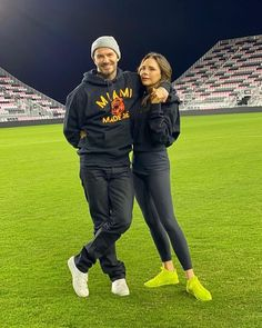 2 people outdoorYou can find David beckham and more on our people outdoor David Beckham Football, British Football, Billionaire Boys Club, Street Culture, Couple Outfits, Fashion News, Street Fashion, Men's Fashion, Victoria Beckham