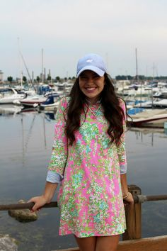 To embrace your comfy look, the fashionable world brings in a lot of preppy summer outfits and style. Well, summer style is all about being airy, light, and Preppy Summer Outfits, Preppy Dresses, Classy Outfits, Cute Outfits, Mom Outfits, Preppy Southern, Southern Prep, Southern Belle Style, Southern Shirt