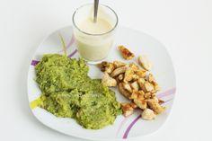 Hähnchenbrust mit Brokkolipüree: – 1 EL Olivenöl – eine Knoblauchzehe – 200g gekochter Brokkoli – 100g gekochte Kichererbsen (abgetropft) – Salz , evtl. Muskatnuss – 100-200ml Milch