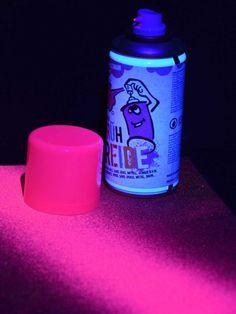 Schwarzlicht Neon Sprühkreide Pink #blacklight #schwarzlicht #neon #deco #glow #chalk #spray #psy