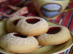 (Swedish Vanilla Cookies) Vaniljkakor (Swedish Vanilla Cookies) from : This is one of my favorite cookies. It's from my Swedish Grandma. They are very simple, but I think that's what I like about them. Very tender and rich.Simple Simple may refer to: Vanilla Cookie Recipe, Vanilla Cookies, Vanilla Biscuits, Raspberry Cookies, Shortbread Cookies, Tea Cakes, No Bake Desserts, Dessert Recipes, Gourmet Desserts