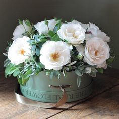 This beautiful hat box arrangement is quite simply to show case the heavenly… Real Flowers, Silk Flowers, Beautiful Flowers, Beautiful Flower Arrangements, Floral Arrangements, Blossom Flower, My Flower, Flower Company, Chelsea Flower Show