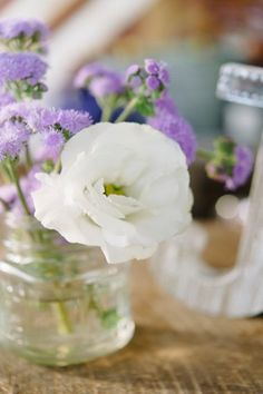 Chic, Simple White & Lavender Centerpiece | Alicia King Photography