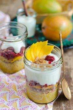 Overnight-Bulgur mit Mango, Himbeeren und Joghurt - Overnight Bulgur with Berries and Yogurt by Coconut & Vanilla