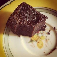 Bolo de chocolate com textura de brigadeiro! =P