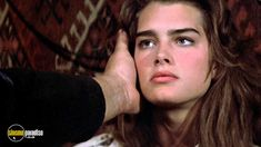 A still from Sahara with Brooke Shields Beautiful Models, Most Beautiful Women, Brooke Shields Young, Beloved Film, Thick Eyebrows, Jennette Mccurdy, Timeless Beauty, Hollywood Glamour, Natural Makeup