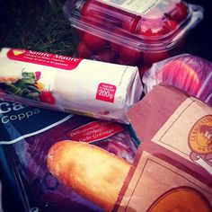 Simple ~ As a picnic with friends #photoadayaug #picnic #cheese #bread #baguette #coppa #cherrytomatoes #coppa - @din0u- #webstagram
