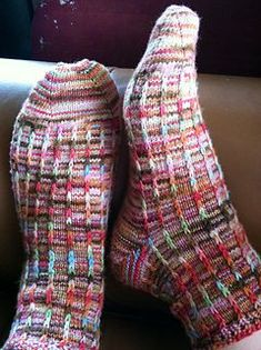 pattern by Dena Stelly Dalekanium by Dena Stelly - free slip stitch good for hand painted yarns Knitting Stitches, Knitting Socks, Hand Knitting, Knitting Patterns, Crochet Loop, Crochet Socks, Knit Socks, Patterned Socks, How To Purl Knit