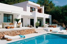 Thumbnail image for Luxurious White and Turquoise Mediterranean Home