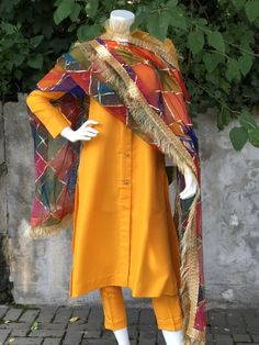 Asian Wedding Dress Pakistani, Pakistani Party Wear Dresses, Simple Pakistani Dresses, Designer Party Wear Dresses, Bridal Dresses, Pakistani Designer Suits, Pakistani Dress Design, Pakistani Couture, Stylish Dresses